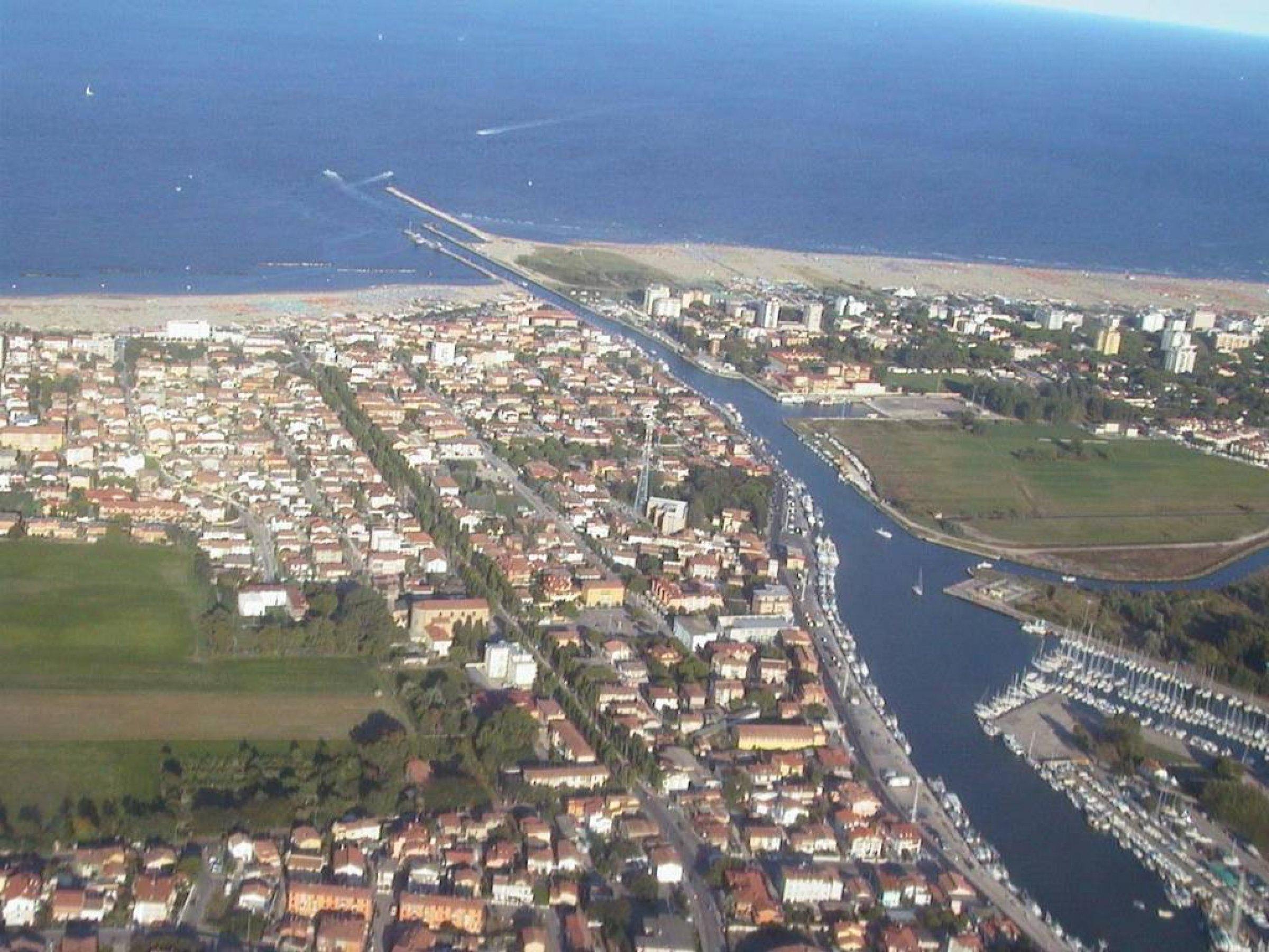 Porto garibaldi un paese che vive tutto l 39 anno e offre estati piene di divertimento - Bagno le piramidi lido di spina ...